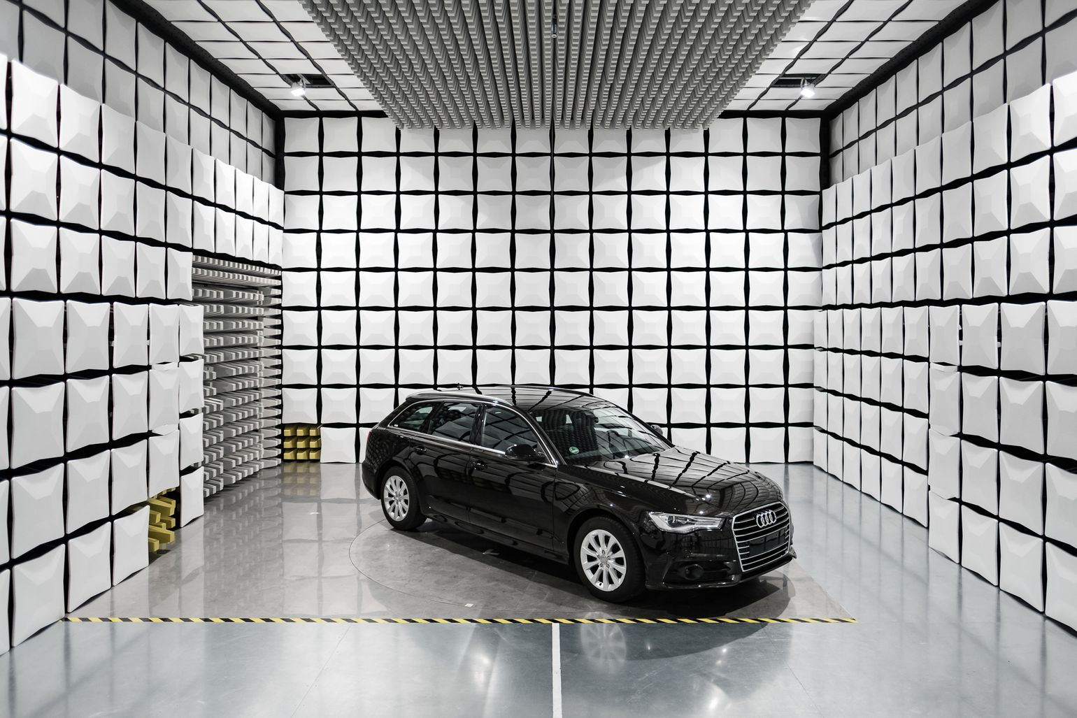 audi in test chamber